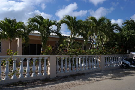 kaya-uranus-belnem-bonaire-long-term-rental