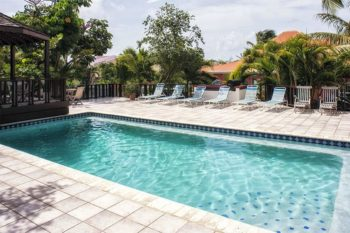 Sint Maarten Studio Apartment Swimming Pool Rental (13)